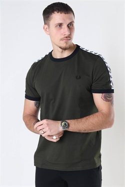 Fred Perry Taped Ringer Tee Hunting